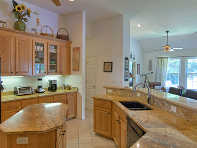 Real Estate Photo Gallery Thumb 22