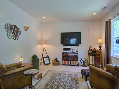 Real Estate Photo Gallery Thumb 24
